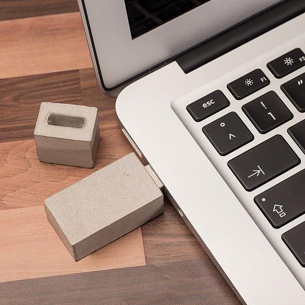 Beton+USB-Stick+eckig