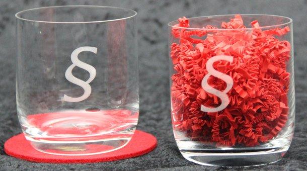 Longdrinkgläser -Gläser mit §-Paragraphen-Logo