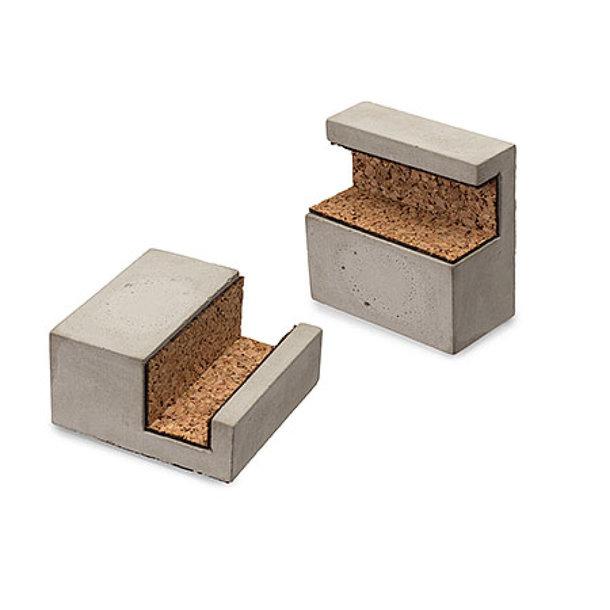 Handyhalter aus Beton mit Kork