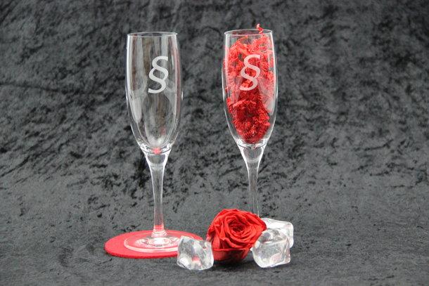 Sekt/Champagnergläser mit §-Paragraphen-Logo