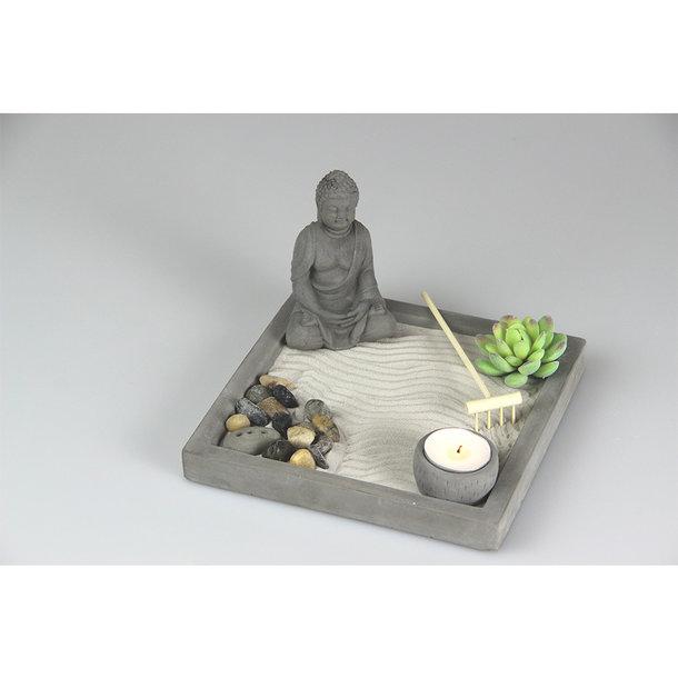 Zen Garten mit Kieselsteinen
